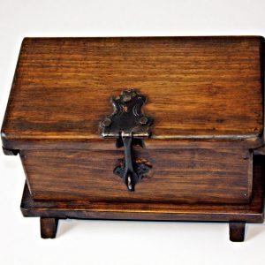 Baul envejecido en madera pequeño C31014 arte y artesanias colombianas 001