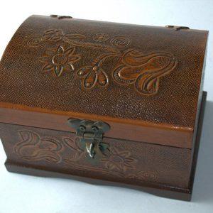 Baul repujado mini en madera y cuero c38006 arte y artesanias colombianas 003_800_Arte_y_Artesanias_Bogota