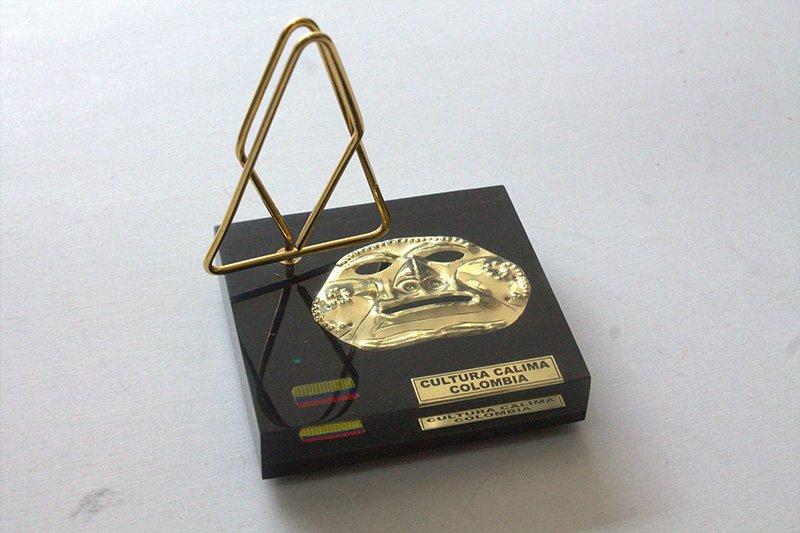 Pisapapel con tarjetero precolombino c3024 arte y artesanias colombianas 001_800_Arte_y_Artesanias_Bogota