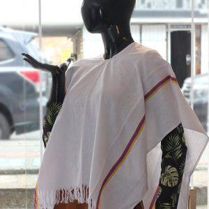 Poncho paisa tradicional en algodón c24021 arte y artesanias colombianas 001_800_Arte_y_Artesanias_Bogota